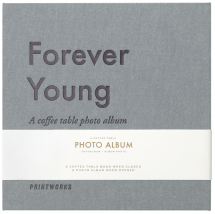 Printworks Forever Young (S) - A Coffee Table Photo Album (60 Zwarte pagina's / 30 bladen)